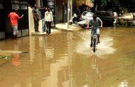 बेंगलुरु में बारिश का कहर, कई इलाकों में पानी भरा, आम जनजीवन व्यस्त