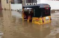 हैदराबाद: भारी बारिश से बाढ़ जैसी स्थिति, 3 की मौत