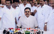 तमिलनाडु: विधानसभा में फ्लोर टेस्ट पर HC की रोक बरकरार