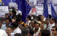 गुजरात में दलित की मूंछो के कारण पिटाई
